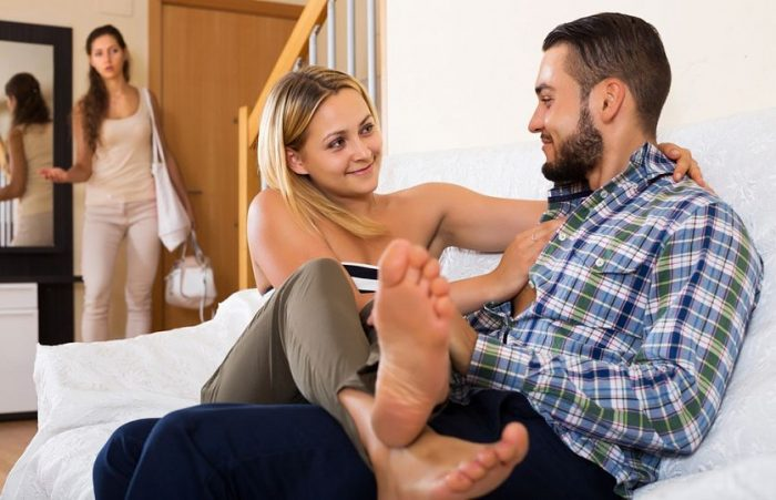 Красивые видео супружеской измены. Жена и муж БеЗсОВеСтНо изменяет за спиной