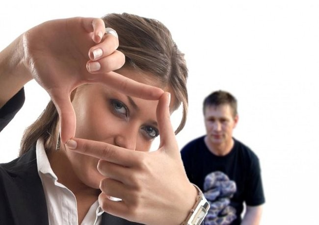 Как привлекать женское внимание парню с низкой самооценкой