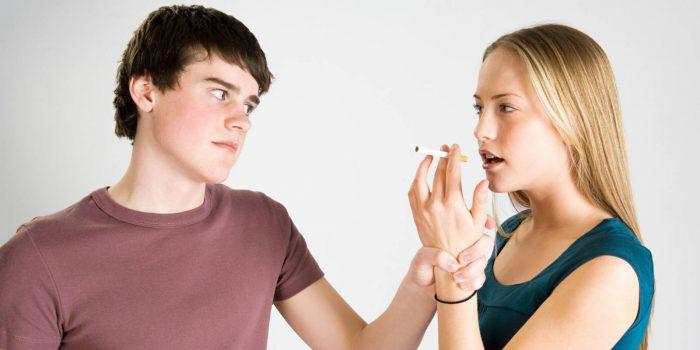 заставить девушку бросить курить