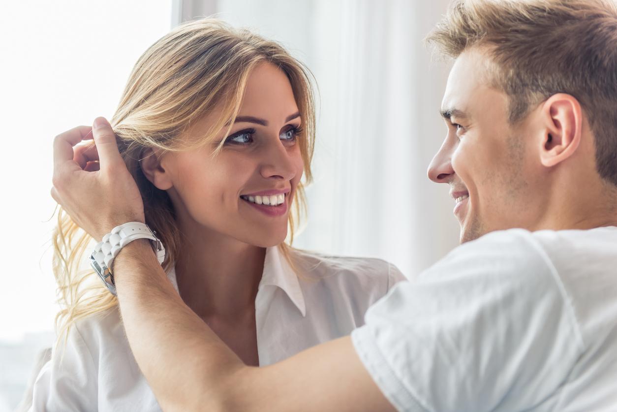 отказывает почему знакомстве в женщина всегда