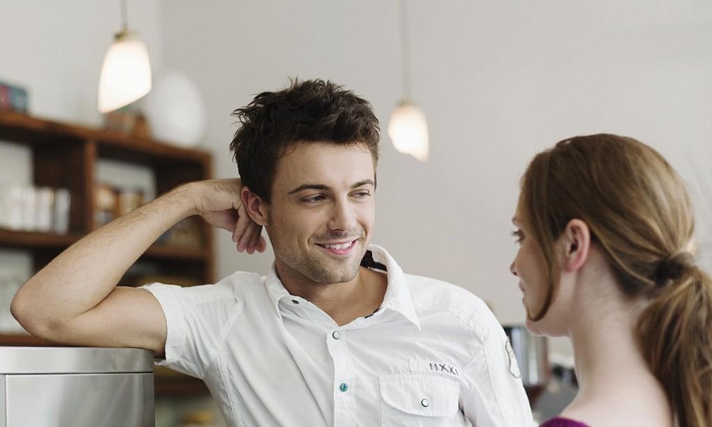 Что означает мужской взгляд на незнакомую девушку