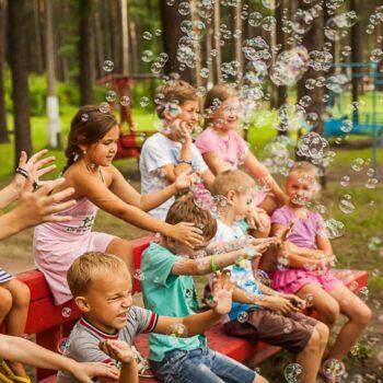 Причины отправить детей в летний лагерь.