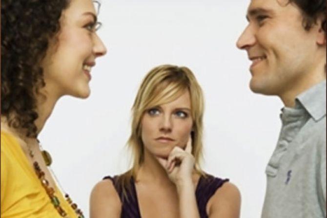 Как заставить девушку ревновать, чтобы влюбить в себя?