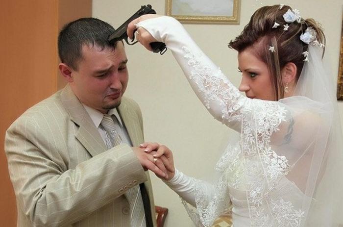 заставила жениться