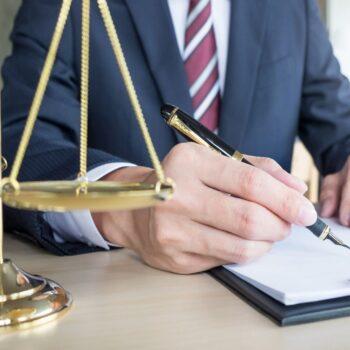 Юридические услуги и юридический аутсорсинг: преимущества и
